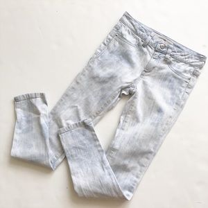 Joes jeans blue bleached out skinny jeans EUC 10Y